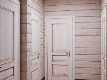 Прихожая в деревянном доме