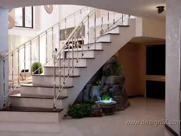 Прихожая с лестницей в современном стиле