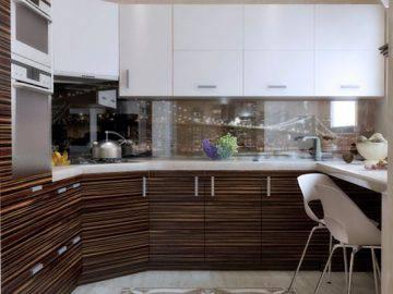 Два варианта современной кухни