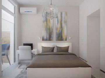Светлая отделка для небольшой спальни