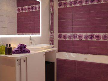 Интерьер небольшой ванной комнаты сиреневого цвета